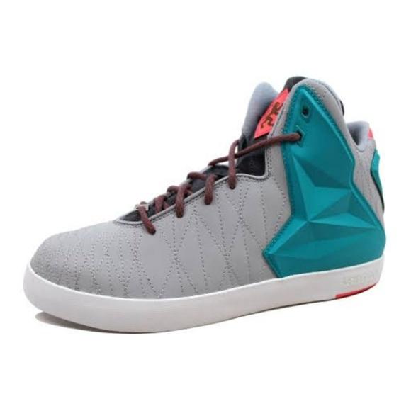 "Nike LeBron 11 NSW Lifestyle ""Miami Vice"". M 5bad40db035cf11bd60b01b7 7683d16f5"